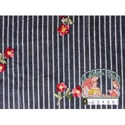 Jeanskleur gestreept navy met geborduurde bloemen katoen