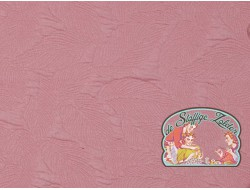 Stepped pink leaves jacquard
